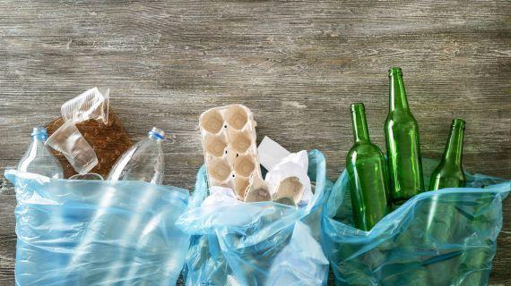 resíduos separados em sacos