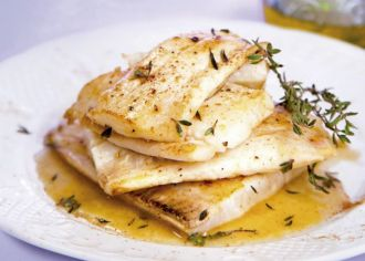 Flatfish with garlic and thyme